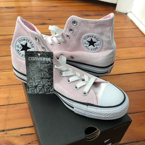 714b096413a0 NIB Converse Pink Velvet High Tops